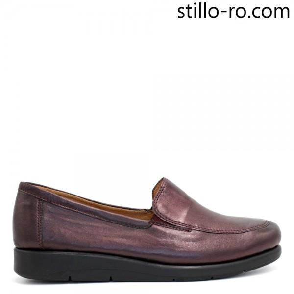 Pantofi de dama CAPRICE din piele pe talpa plata, de culoare bordo - 29301
