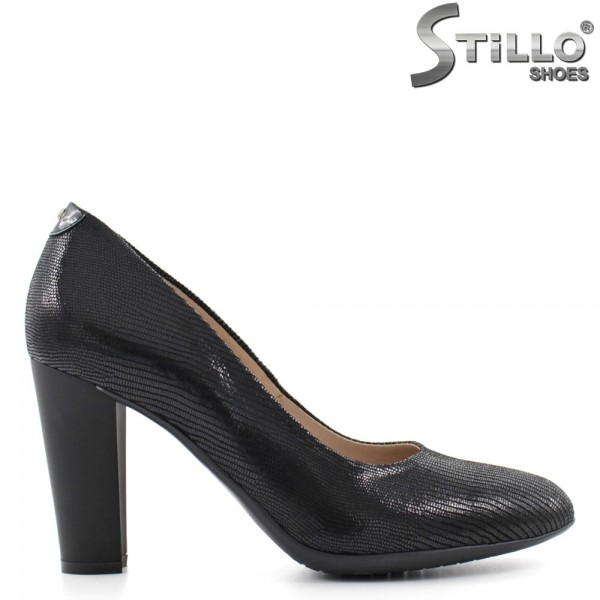 Pantofi pe toc inalt, din velur stantat - 29469