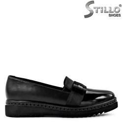 Pantofi cu platforma plata din piele si lac negru - 29576