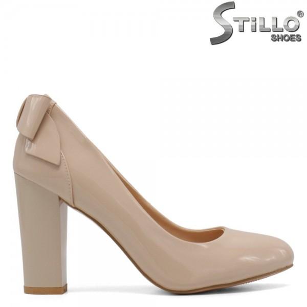 Pantofi de lac de culoare bej,pe toc inalt incepand de la marimea nr 33 - 30069