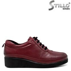 Pantofi de dama de culoare bordo pe platforma joasa - 30106