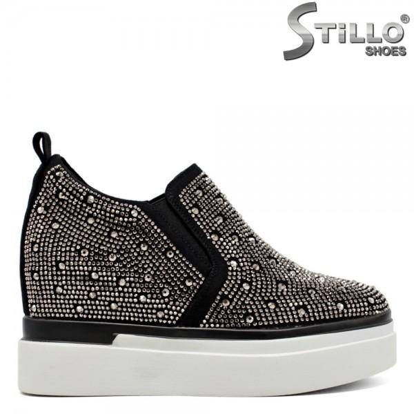 Pantofi de dama din nabuc de culoare negru cu pietricele argintii- 30135