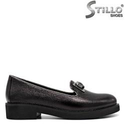 Pantofi eleganti din piele naturala de culoare negru si  cu margine gri - 30141