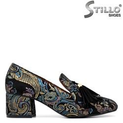 Pantofi moderni din velur decorati cu motive florale - 30161