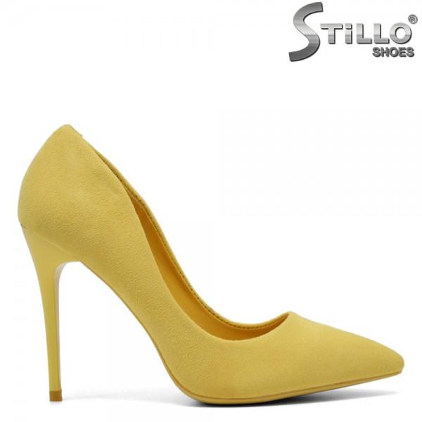 Pantofi din velur de culoare galben cu toc inalt - 30183
