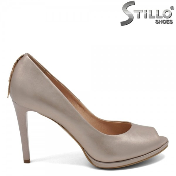 Pantofi aurii decupati in partea din fata - 30254