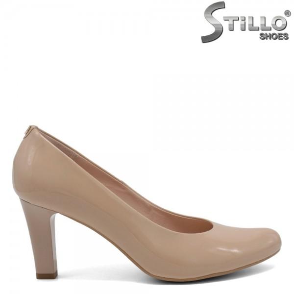 Pantofi din lac de culoare bej cu toc - 30263