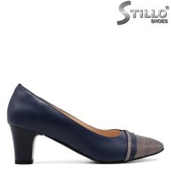 Pantofi de culoare albastru inchis cu stampa si toc mijlociu - 30274