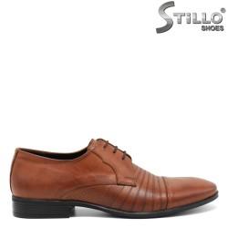 Pantofi barbatesti de culoare maron din piele naturala si cu sireturi - 30298
