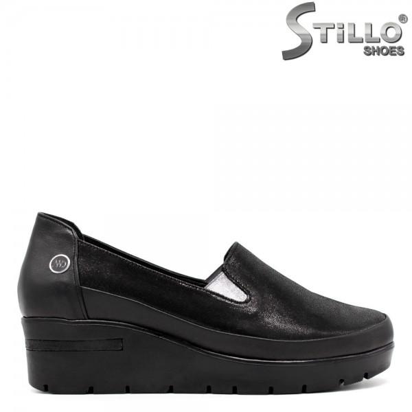 Pantofi din velur de culoare negru - 30305