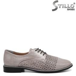 Pantofi gri perlat cu perforatie si sireturi - 30349