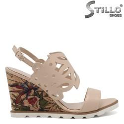 Sandale bej cu perforatie si platforma - 30350