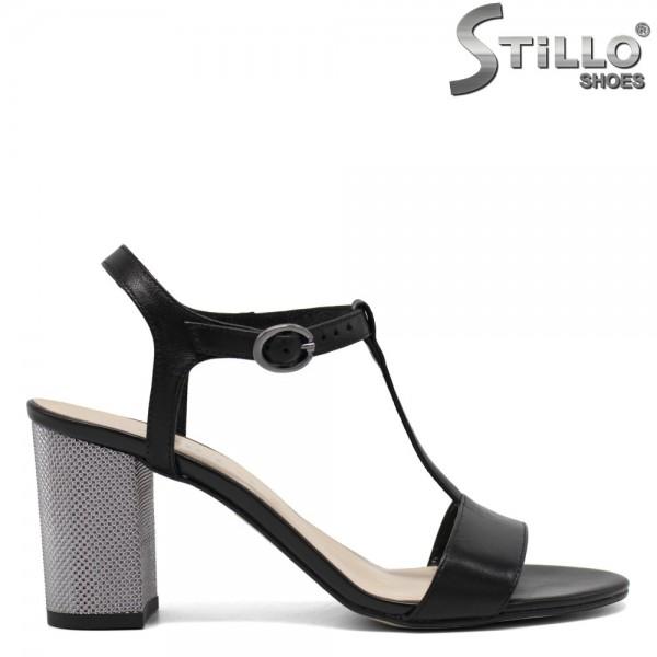 Sandale cu toc inalt reliefat - 30357