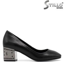 Pantofi de dama de culoare negru pe toc mijlociu-30396