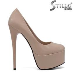 Pantofi de dama din lac bej cu toc inalt si platforma - 30403