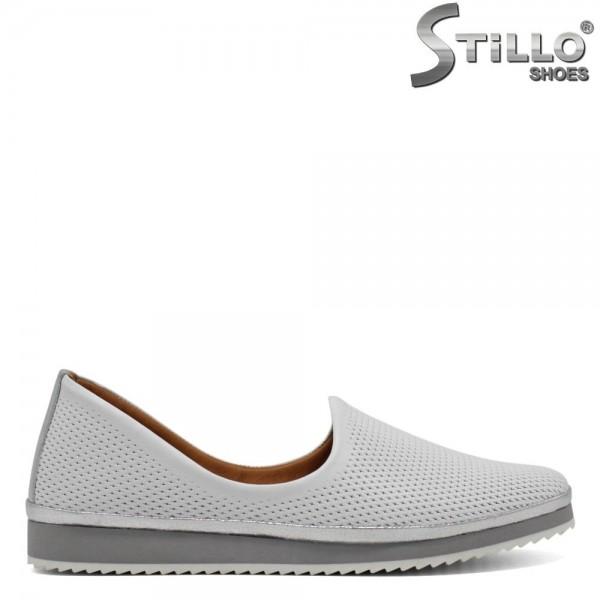 Pantofi de culoare alb cu perforatie - 30437