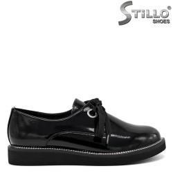 Pantofi cu talpa dreapta si cu sireturi - 30461