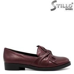 Pantofi cu toc mic de culoare bordo - 30479