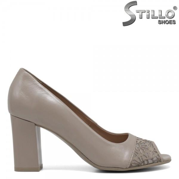 Pantofi dama de culoare bej cu partea din fata decupata - 30497