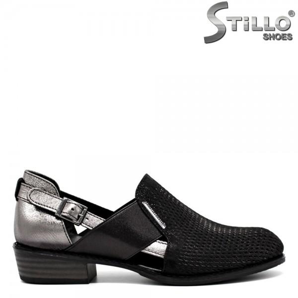 Pantofi argintii-negru cu perforatie - 30553