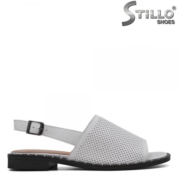 Sandale albe din piele cu perforatie - 30624