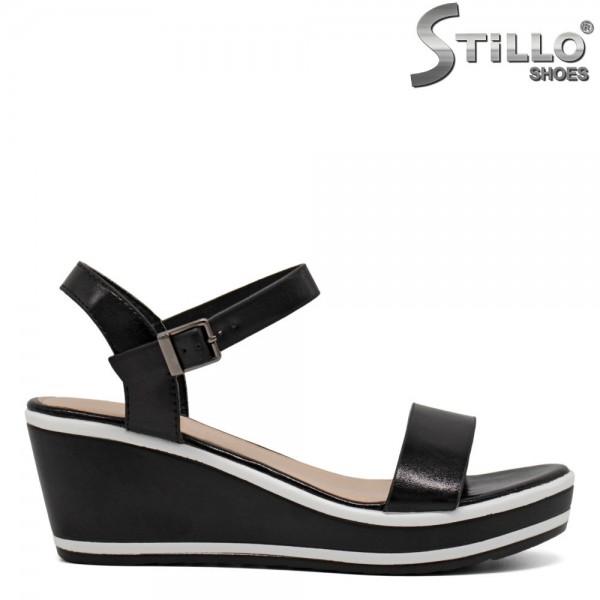 Sandale negre cu platforma mijlocie - 30645