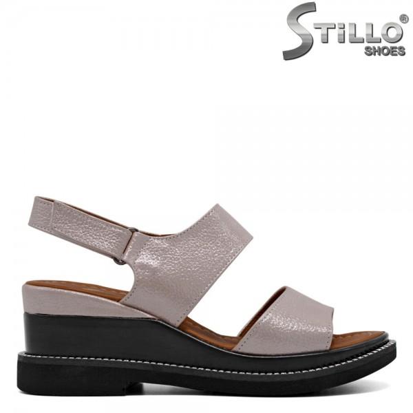 Sandale roz cu platforma si pietricele - 30789