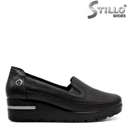 Pantofi de dama din piele pe platforma cu doua elastice - 31190