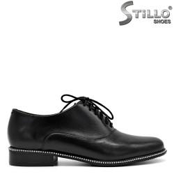 Pantofi de damă din piele natuală și șireturi - 31237