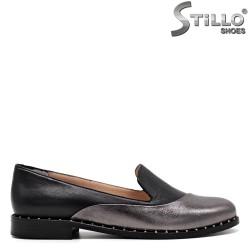 Pantofi din piele argintiu-negri pe toc - 31290