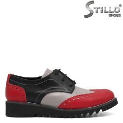 Pantofi de damă cu perforație elvețiană - 32362