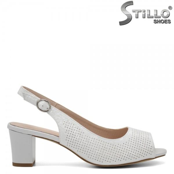 Sandale dama cu perforatie si toc - 32708