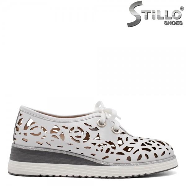 Pantofi dama moderni de culoare alb cu sireturi - 32717