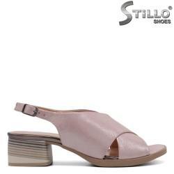 Sandale dama cu toc jos  de culoare roz - 32785