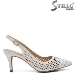 Pantofi dama cu perforatie si toc mijlociu - 32810