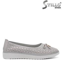 Pantofi dama cu perforatie si talpa dreapta - 32889