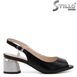 Sandale stilate pe un toc mediu - 32916