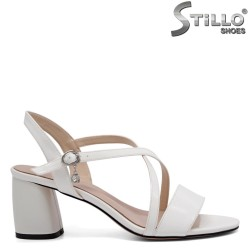 Sandale dama de culoare alb cu toc mijlociu - 32917