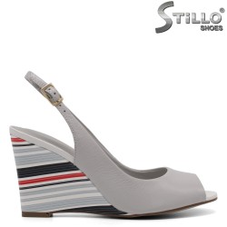 Sandale pe toc conic în dungi - 32993