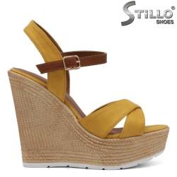 Sandale dama de culoare galben pe platforma - 32994