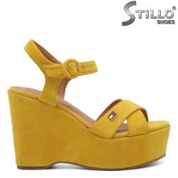 Sandale dama  de culoare galben pe platforma  - 33004