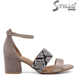 Sandale dama de culoare bej cu stampa tip sarpe - 33059