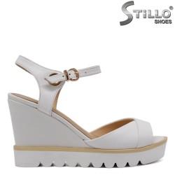 Sandale dama pe platforma marimi mici - 33102