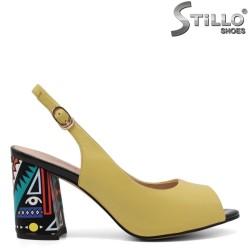 Sandale dama de culoare galben cu toc colorat - 33133