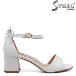 Sandale dama elegante  de culoare alb cu toc  - 33148
