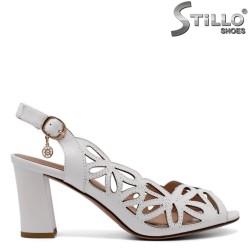 Sandale dama albe  din piele naturala cu gauri  - 33156