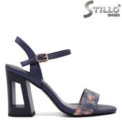 Sandale dama de culoare albastru cu desen flori si toc inalt - 33162