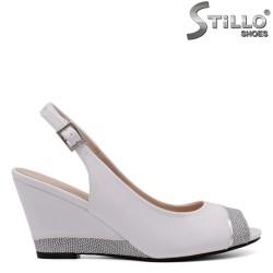 Sandale dama de culoare alb cu toc inclinat - 33196