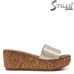 Papuci dama de culoare auriu- 33221