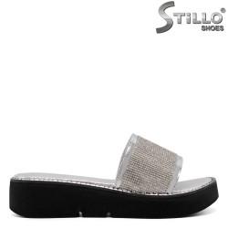 Papuci dama de culoare argintiu pe platforma - 33236